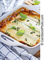 sain,  bolognese, lasagne, courgette