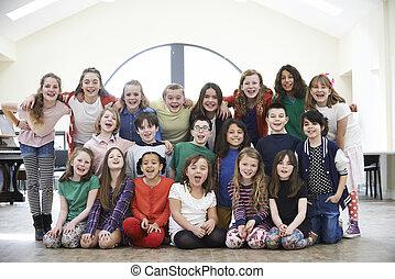 grande, grupo, de, niños, el gozar, drama, taller,...