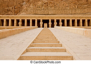 The temple of Hatshepsut near Luxor in Egypt - Entrens of...