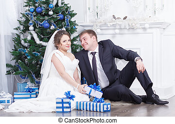 Gifts for the wedding - Pregnant bride and groom winter...