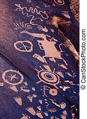 Native American Petroglyphs, Newspaper Rock, Utah -...