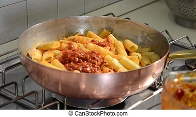 bolognese meat sauce - cooking bolognese meat sauce