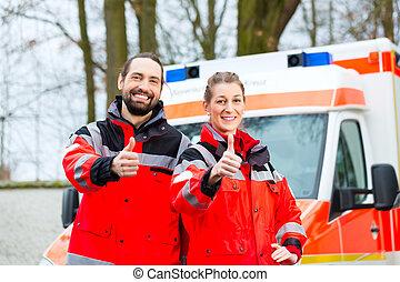 emergência, doutor, em, frente, de, ambulância,...