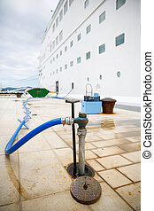 Refilling cruise ships water tanks - Ground service...