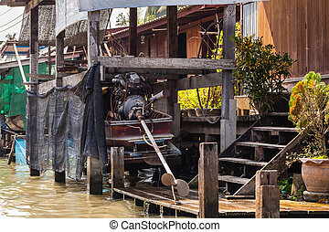 Poor thai home - Hovels on the riverside in a small thai...