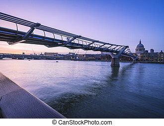 Millenium to Blackfriars bridges - Looking down from the...