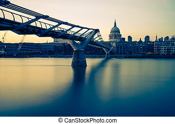 Millenium bridge in yellow - Looking across the Thames from...
