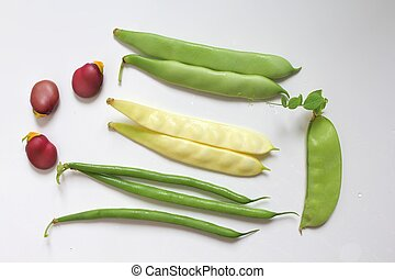 Fresh beans - Variety of fresh organic legumes : green and...
