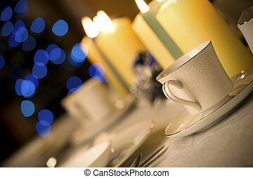 Simple but elegant Christmas table setting - Simple and...