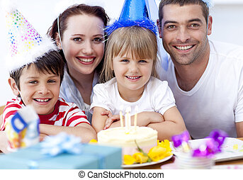 Happy daughtrer on her birthday\'s day with her family