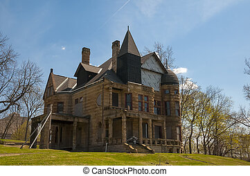 Stone Mansion - Reconstruction and rebuilding of a...
