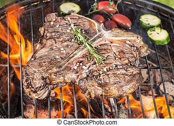 T-bone, carne de vaca, filetes, en, parrilla,