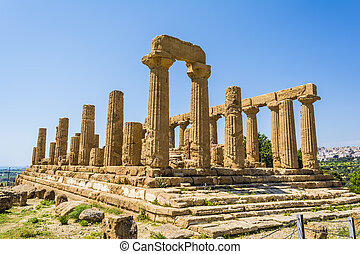 Ancient Greek Temple of Juno God, Agrigento, Sicily, Italy -...