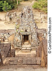 Pre Rup temple ruins - Architecture details at the Pre Rup...