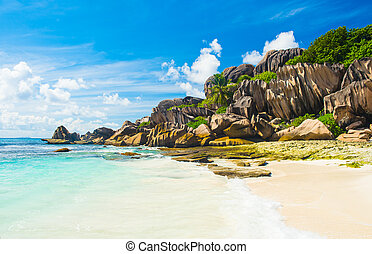 Grand Anse - Beautifully shaped granite boulders and a...