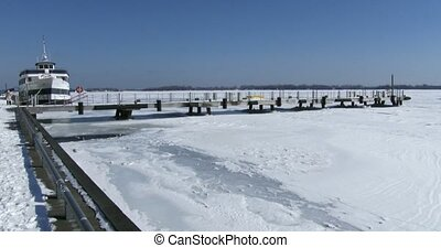 Panoramic of lake Ontario frozen - Panoramic view of frozen...