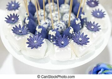 Cake pops - wedding dessert with delicious Cake pops