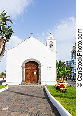 Typical canarian church in Puerto de la Cruz, Tenerife -...