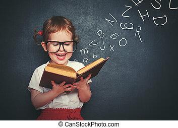 pequeno, menina, com, ÓCULOS, leitura, Um, livro,...