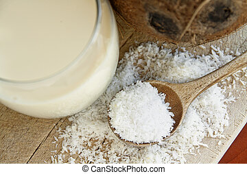 Desiccated coconut - Desiccated white coconut with milk and...