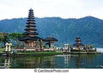 Pura Ulun Danu Bratan, Bali - Pura Ulun Danu Bratan, Hindu...