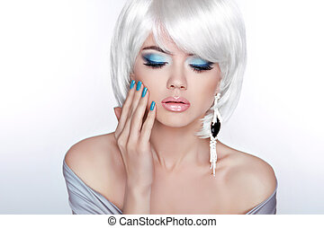 Glamour Fashion Blond Woman Portrait. Makeup. White short bob ha