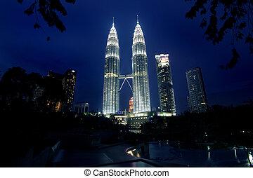 Petronas Twin Towers - Nightscene of the Petronas twin...