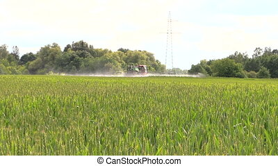 tractor sprayer field - agricultural tractor spray liquid...