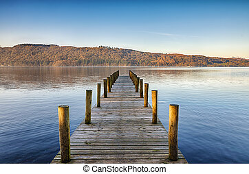 Wooden jetty on Windermere. - Perspective view of a wooden...