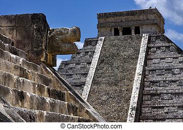 Chichen, itza, temple, kukulkan,