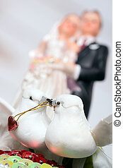 Wedding - Model of a wedding couple and two white doves