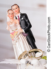 Wedding - Model of a wedding couple with two wedding rings