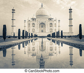 Taj Mahal - the famous Taj Mahal at Agra, India