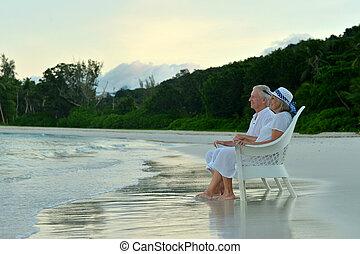 pareja, orilla, anciano, Sentado