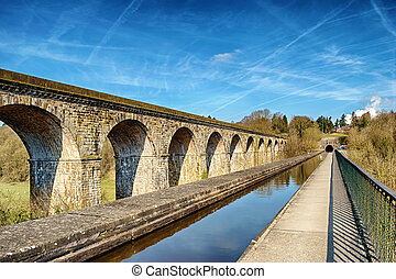 Perspective view of Chirk viaduct and aquaduct - View of the...