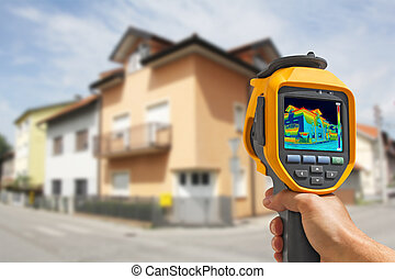 Recording Heat Loss at the House With Infrared Thermal...