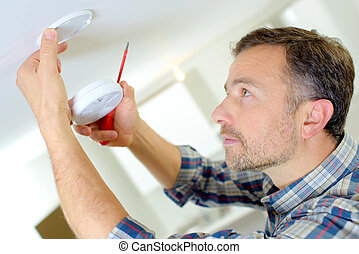 Installation of a smoke alarm