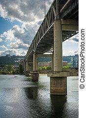 The Marquam Bridge over the Williamette River, in Portland,...
