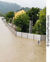 flood 2013, linz, austria - floods 2013 linz, austria flood...