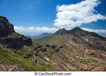 Gran Canaria, route Cruz Grande - Llanos de la Pez, steep...