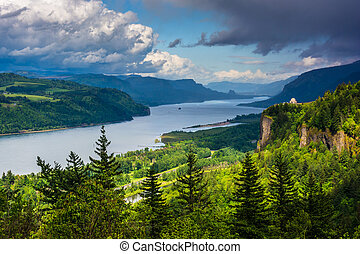 View of Crown Point and the Columbia River, Columbia River Gorge, Oregon.