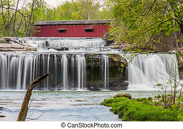 Covered Bridge and Waterfall - The historic Cataract Covered...