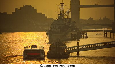 Beautiful sunrise on the Thames - Life on the river Thames...