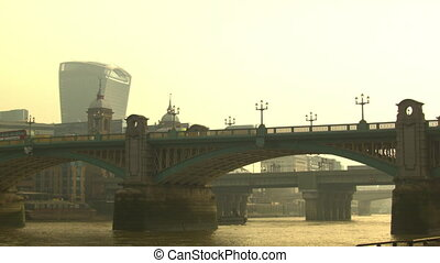 Pan on the Southwark Bridge