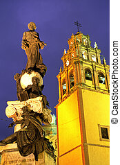 Statue- Guanajuato, Mexico - Statue on the Plaza de la Paz...
