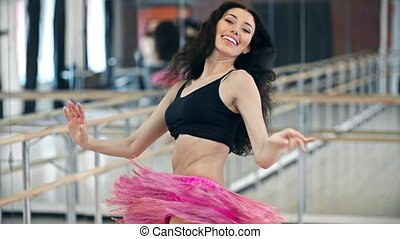 Hip Shiver Movements - Tilt down the beautiful belly dancer...