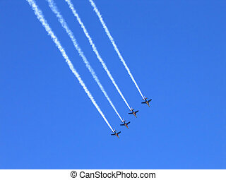 Jet Display Team - Fighter squadron formation leaving smoke...