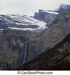 montanha, cascata
