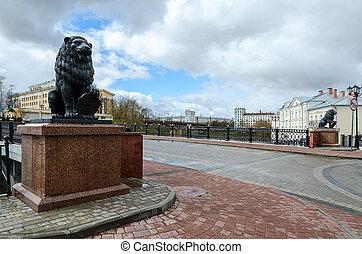 Sculptures of lions at Pushkinsky bridge, Vitebsk -...