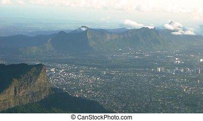 Flight approach above Ile De La Reunion - 1080p, Flight...